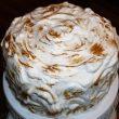 Tort czekoladowo-żurawinowy z bezą tocokocham.com