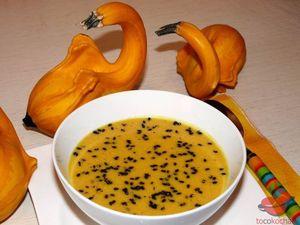 Zupa dyniowo-serowa tocokocham.com