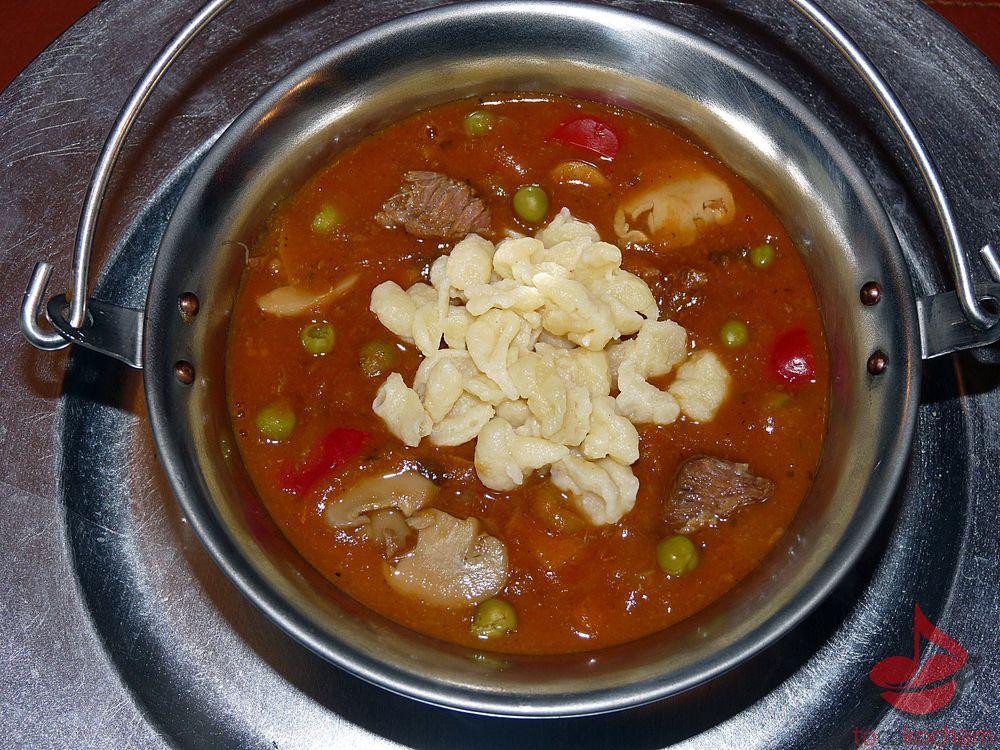Zupa gulaszowa tocokocham.com