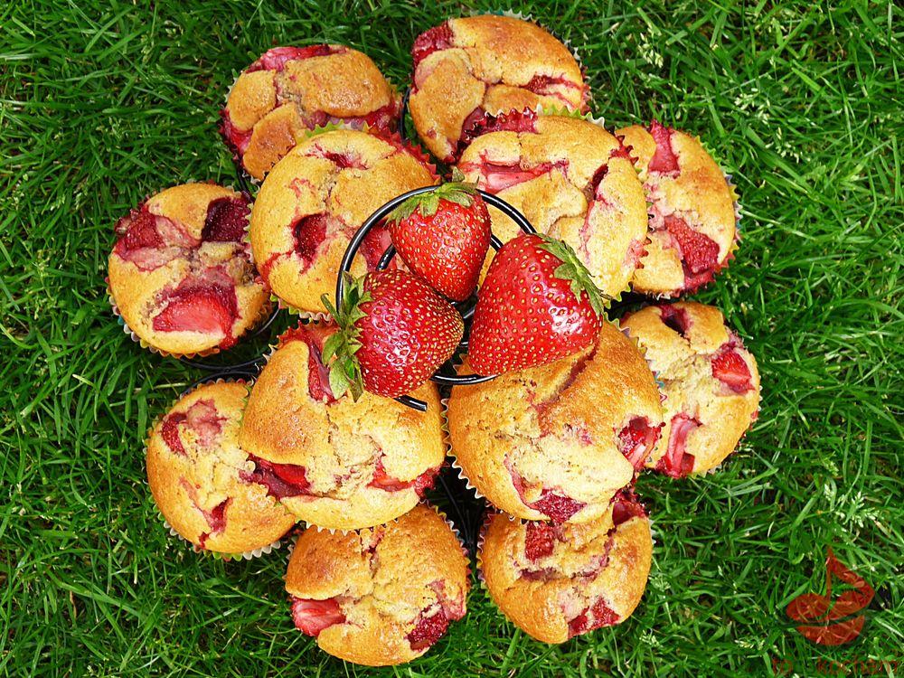 Muffinki ztruskawkami tocokocham.com