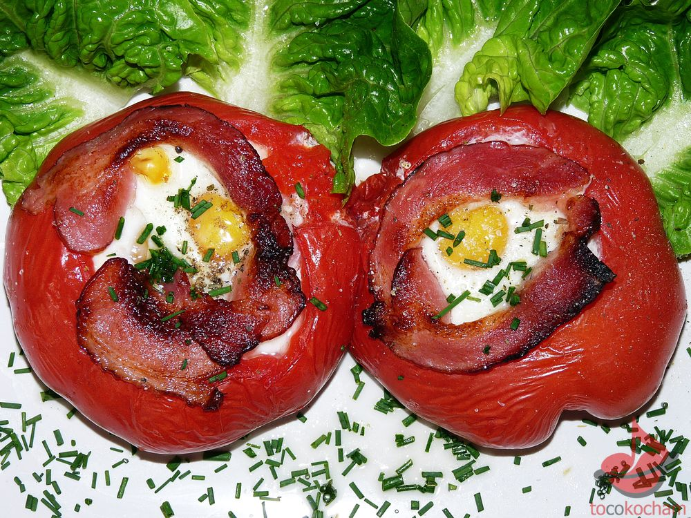 Jajka zapiekane wpomidorach tocokocham.com