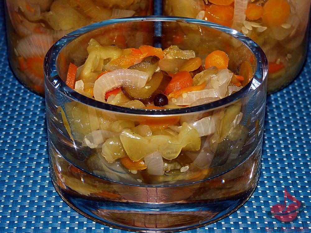 Sałatka warzywna zimowa tocokocham.com