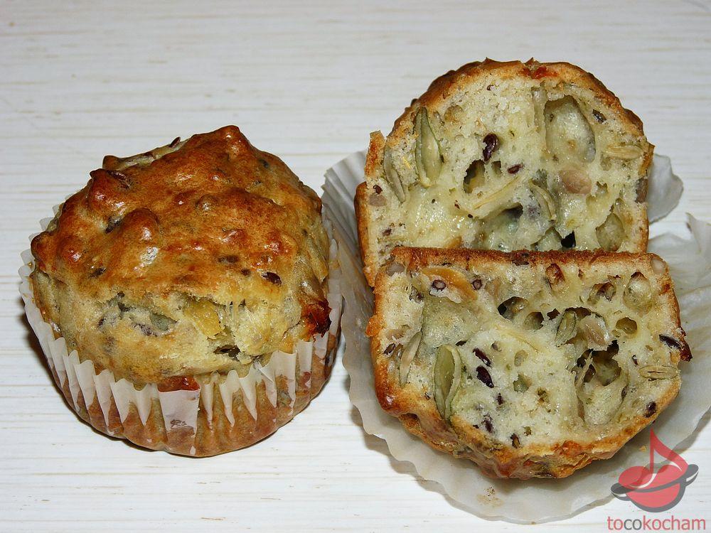 Muffinki śniadaniowe zziarnami tocokocham.com