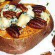 Pieczone bataty z orzechami i serem pleśniowym tocokocham.com
