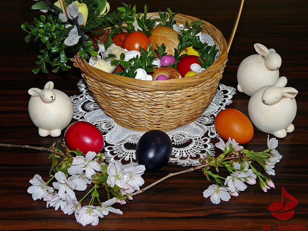 Wielkanocny koszyczek ześwięconką tocokocham.com
