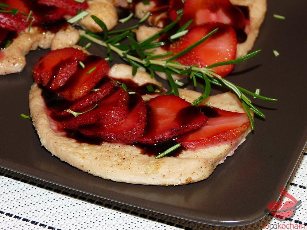 Filet zindyka ztruskawkami wsosie balsamicznym tocokocham.com