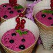 Deser jogurtowo-porzeczkowy tocokocham.com