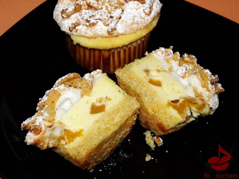Muffinki serowo-brzoskwiniowe tocokocham.com