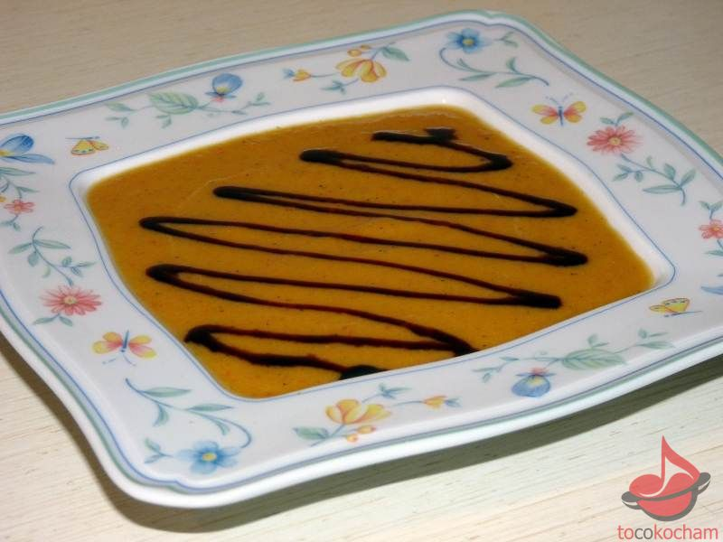 Zupa zdynią pomidorami icynamonem tocokocham.com