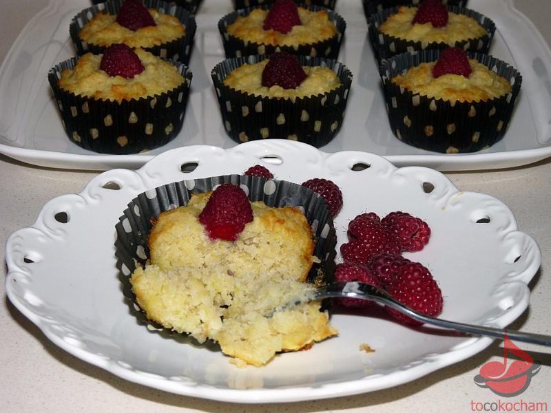 Muffinki kokosowe zcukinią tocokocham.com