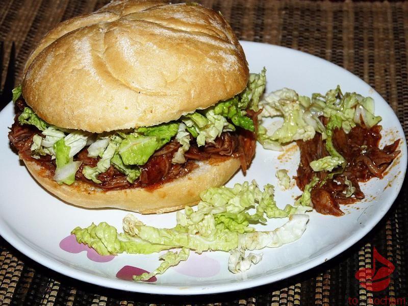 Pulled pork czyli szarpana wieprzowina wbułce tocokocham.com