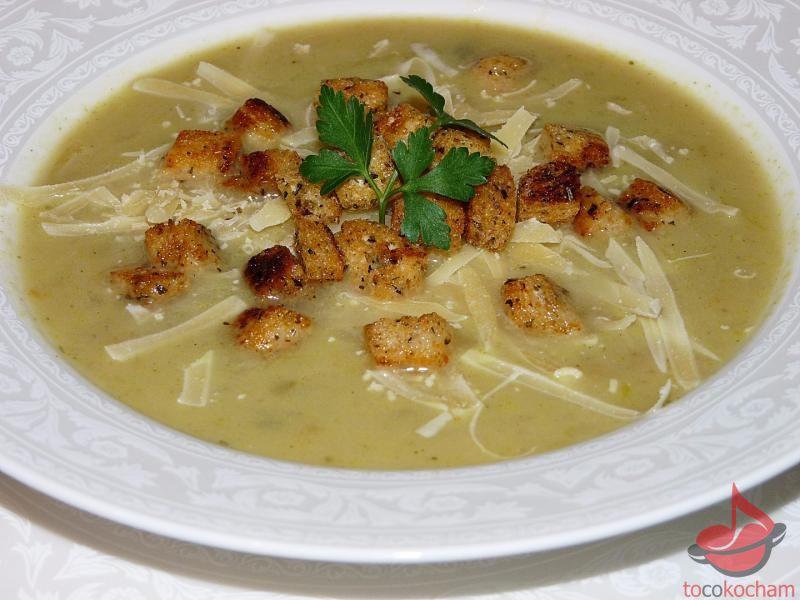 Zupa cebulowa zżółtym serem igrzankami tocokocham.com
