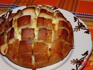 Chleb zapiekany zżółtym serem tocokocham.com