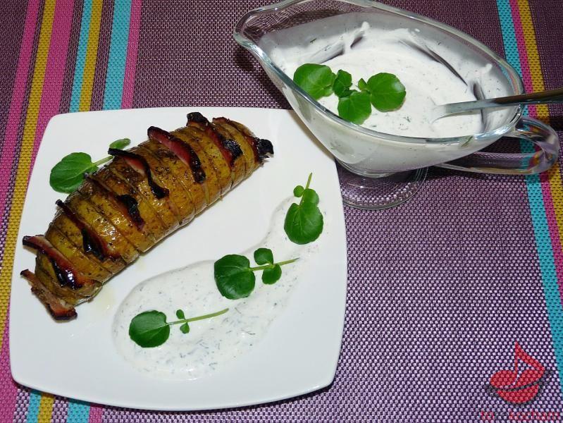 Młode ziemniaki pieczone zboczkiem
