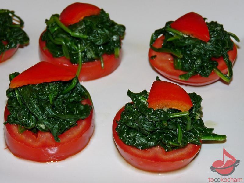 Pomidory zeszpinakiem tocokocham.com